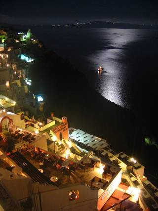 moonlight-on-santorini-1572370
